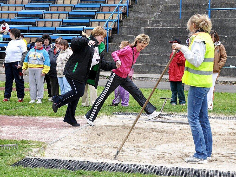 Sportovní den domovů sociálních služeb Karlovarského kraje se konal na stadionu AC Start Karlovy Vary