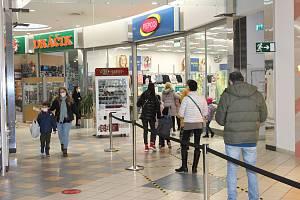 Obchody se opět otevřely, ale jen ty, které nabízejí zboží pro děti.