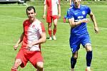 Rozhodující trefa ve 29. kole Fortuna ČFL mezi karlovarskou Slavií a Královým Dvorem padla až ve dvouminutovém nastavení. Zasloužil se o to hráč a zároveň kanonýr Slavie Jan Kalina, který svými dvěma góly napomohl sešívaným k důležité výhře 3:2.