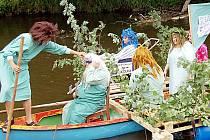 Na Mži se vydalo také plavidlo krále moří Neptuna, kterého doprovázela početná družina.