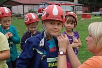 S těmi nejmladšími adepty hasičské profese pracují dobře například i ve Žluticích.