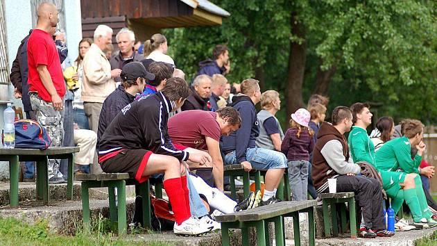 Druhý triumf v řadě za sebou si připsala na stanovickém turnaji na své konto Kolová, která ve finále pokořila 1:0 pořádající SC Stanovice. Na třetím místě zakončili turnaj fotbalisté ostrovské rezervy.