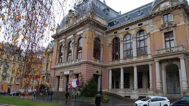 V sobotu byla slavnostně zahájena rekonstrukce Císařských lázní. Slavnostní události se účastnil i premiér Andrej Babiš a ministryně financí Alena Schillerová.