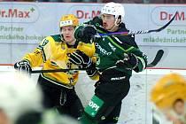 Hokejisté HC Energie (v zeleném) i napodruhé porazili Vsetín