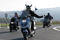 Motorkáři v Karlovarském kraji se loučili s letošní sezonou.
