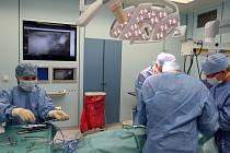 Kvůli tendru na přístroje dostala nemocnice pokutu.