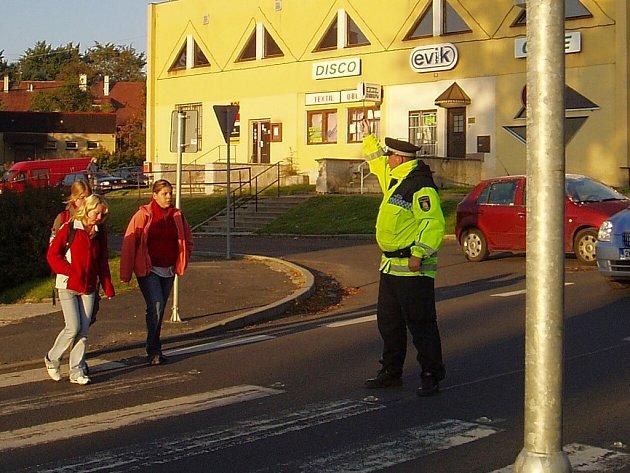 Práce Městské policie Nejdek se dle radnice omezí pouze o ostrahu soukromých objektů. Jinak budou strážníci plnit všechny povinnosti jako doposud.
