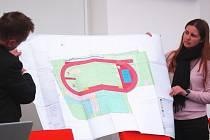 PROJEKTOVÁ DOKUMENTACE, podle které vyroste do konce roku 2017 v Ostrově zbrusu nový, moderní atletický areál.