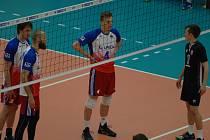 Český národní tým si bez větších problémů poradil s výběrem Severního Irska (v černém).