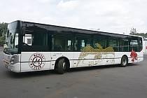 Speciální autobus, který bude vozit návštěvníky na návštěvu Kyselky.