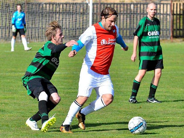 Kolovský Ajax udržel i po utkání v Perninku (v zelenočerném), kde vyhrál 4:3, neporazitelnost v podzimní části okresního přeboru mužů.