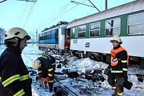 Srážka kamionu a osobního vlaku v Hradišti na železniční trati Cheb - Karlovy Vary