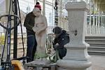 Sadový pramen změnil v rámci rekonstrukce kolonády své místo. Na začátku listopadu restaurátor Miroslav Žán umísťoval s asistentem do kolonády nový sokl a na něj očištěnou sochu Hygie.