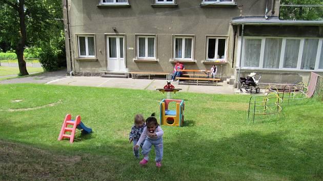 VDomově sv. Zdislavy chtějí vybudovat dětské hřiště