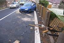 VÍCE NEŽ DVĚ PROMILE alkoholu nadýchal po nehodě ve Stráži nad Ohří třiašedesátiletý řidič peugeotu.