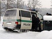 OPĚT BEZ ŘIDIČÁKU. Na motorkách dosáhla škoda 80.000 korun.