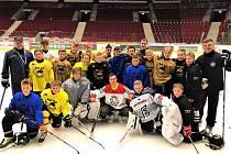 Gold Bull s Jakubem Flekem uprostřed