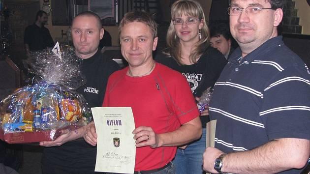 VÍTĚZOVÉ. Ostrovský tým ve složení Pavel Čekan (s diplomem), Attila Döme (vlevo) a Mikuláš Záhorovský (chybí).