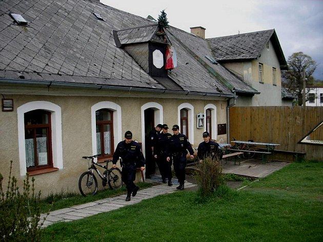 V pořádku, mohli zahlásit policisté poté, co opustili poslední z restaurací na Tepelsku. Nikde se nesetkali s případem nalévání alkoholu mladistvým a nezletilým.