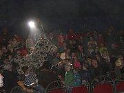 """Návštěvníky cirkusu """"vítala"""" v sobotu skupina aktivistů"""