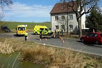 Tragická nehoda motorky a osobního auta u Sadova