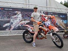 Do zahájení Mistrovství světa v motokrosu zbývaly už jen hodiny.