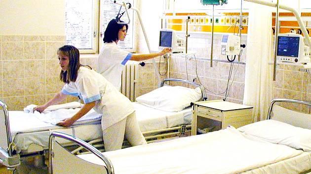 O zdravotní sestry je stále zájem, zvláště v nemocnicích.