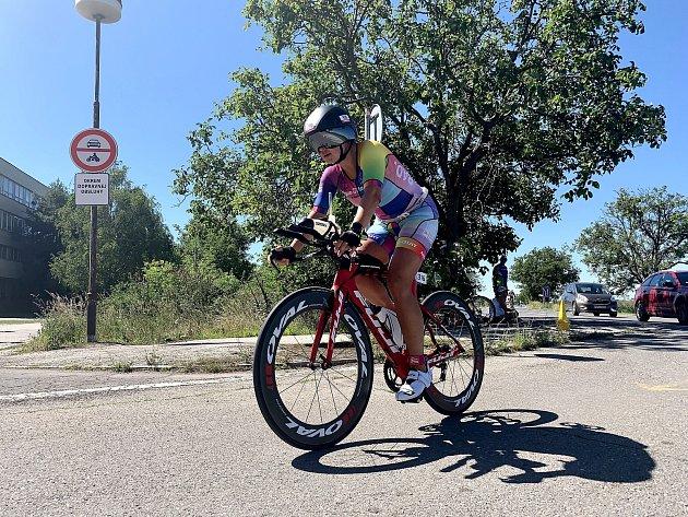Cenný  bronz vybojovala ovíkendu na Slovensku chebské triatlonistka Julie Sandra Stolarčiková. Foto: USK Akademik Cheb