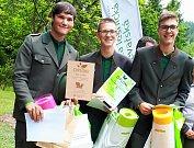 Úspěšný tým studentů ze žlutické lesnické školy.