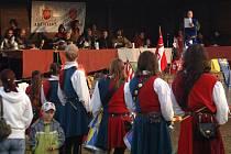 V Abertamech pouť trvala tři dny. Děti nejvíce zaujaly rytířské souboje.