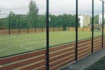Nové hřiště. Město Nejdek dokončilo nové sportovní hřiště, do kterého investovalo přes dva miliony korun.