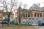 Rekonstrukci Lázní I pandemie nezastavila.