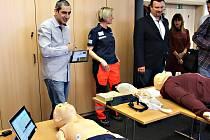 Karlovarští záchranáři dostali další moderní pomůcky pro výcvik a školení.