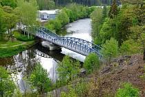 Kyselský železniční most je původně železniční most na vlečce z Vojkovic do závodu Mattoni v Kyselce.