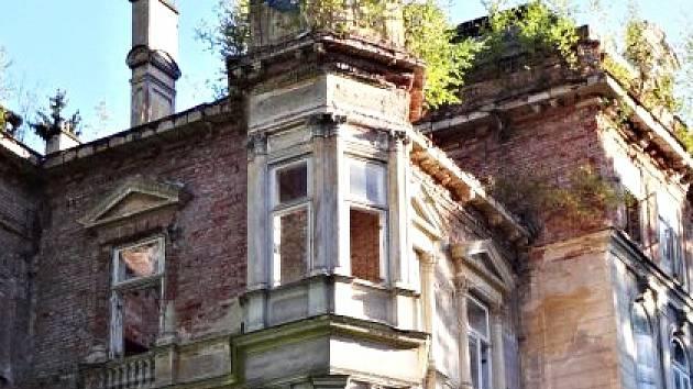Kvůli Kyselce a některým budovám je opět rušno.