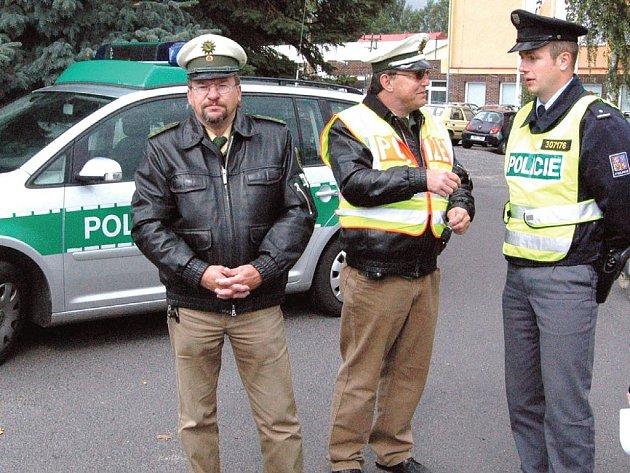 Němečtí dopravní policisté.