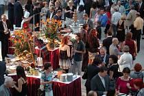 V rámci loňského ročníku filmového festivalu uspořádal Karlovarský kraj na letišti v Karlových Varech čokoládovou party.