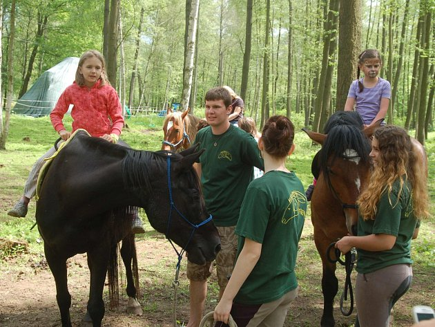 Tradiční Karlovarské bioslavnosti na farmě Kozodoj jsou opravdu velkou zábavou.