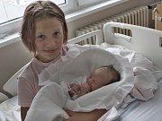 Míša Gašpieriková (se sestrou) z Nového Sedla se narodila 16. 8. 2017