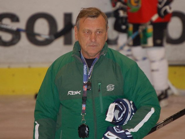 Trenér Josef Paleček.