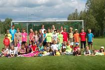 V Ostrově se konal příměstský tábor. V rámci něj si děti vyzkoušely řadu sportovních disciplín a organizátoři neopomněli ani olympijské hry.