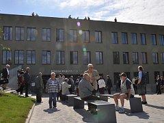 Nová budova Střední průmyslové školy Ostrov.