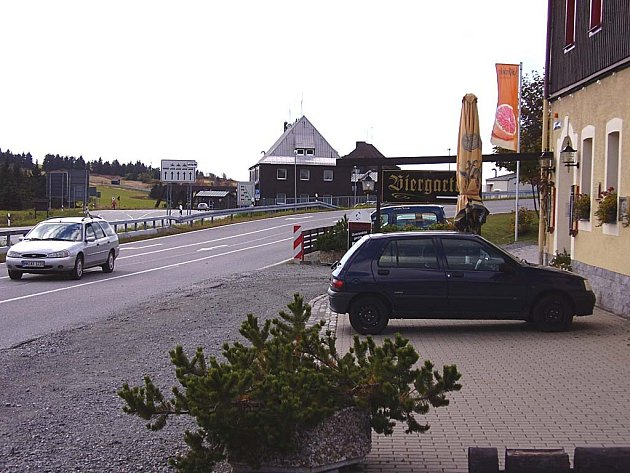 DOHODA U HRANIC. Smlouvu podepíší zástupci pěti českých a německých obcí v hotelu nedaleko hraničního přechodu Boží Dar – Oberwiesenthal. (Ilustrační foto.)