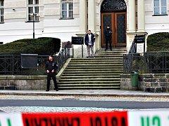 Anonym hrozil soudu bombou.