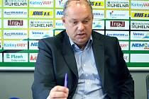 Generální manažer klubu Miroslav Vaněk na tiskové konferenci.