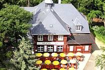 Pohled z rozhledny na restauraci