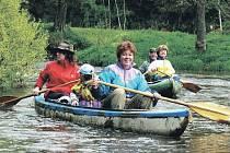 Vodáctví je vášeň, která baví celou řadu lidí. Karlovarský kraj přichystal pro vodáky na letošní sezonu některé novinky.