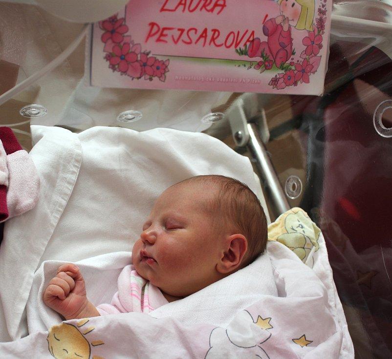 Laura Pejsarová z Karlových Varů se narodila 21. září ve 21:16 hodin (3390 g, 49 cm) v plzeňské porodnici na Lochotíně. Rodiče Veronika a Jaroslav si nechali pohlaví miminka jako překvapení na porodní sál. Doma se na sestřičku těšil bráška Sebastian (4).