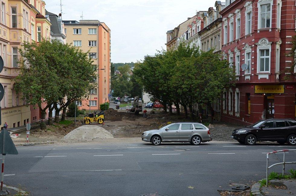 Rekonstrukce Jízdárenské ulice v Karlových Varech.
