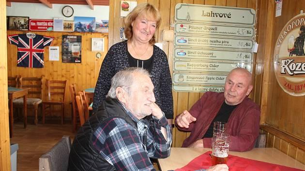 Štamgasti se těšili na pivo i kamarády z Černé Plzně.